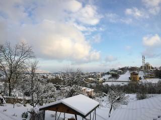Karlı ve soğuk bir kent