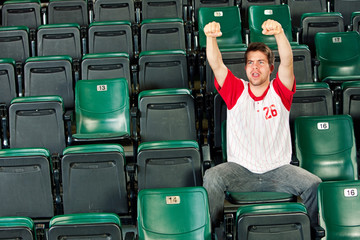 Fans: Solo Fan Cheers for Team