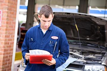 Mechanic: Reading Diagnostic Report