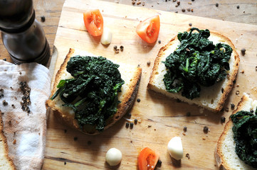 Canapè with black cabbage