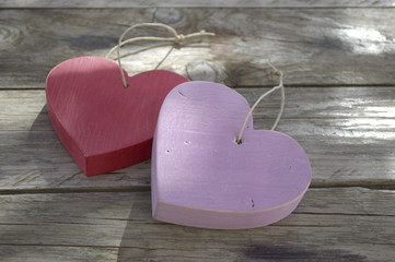 corazones de madera