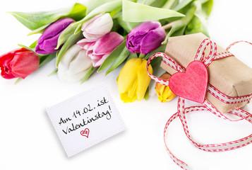 Tulpen und Geschenk Karte Liebe