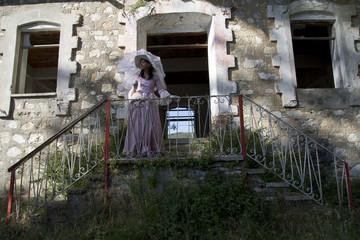 Eski Ev ve Kadın
