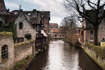 Canal de Brujas con encanto