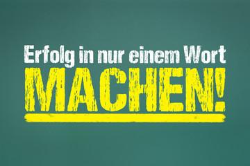 grüne Kreidetafel mit Motivationstext