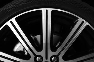 Llanta y Neumático de Coche