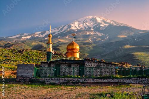 Leinwanddruck Bild Mosque below Damavand