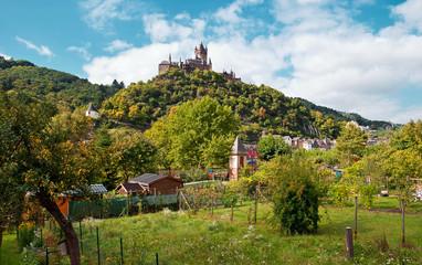 Die Reichsburg Cochem über dem Moseltal