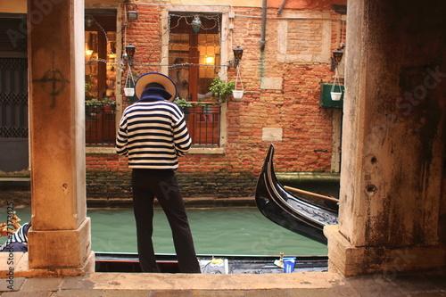 In de dag Gondolas venezia gondoliere