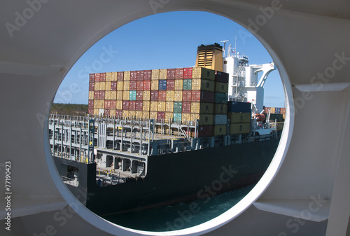 Leinwandbild Motiv Ship thru a Port Hole