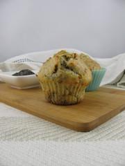 Muffins mit gemahlenem Mohn und Rosinen