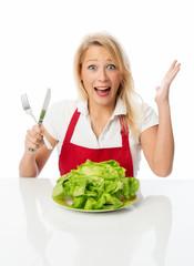 Aufgebrachte Frau mit Kopfsalat