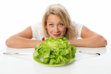 Frau mit Salatkopf