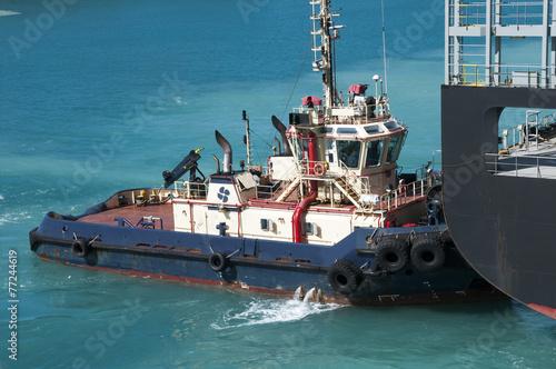 Tugboat assistance - 77244619