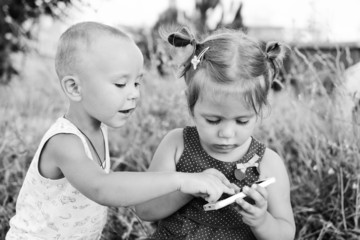 children playing phone