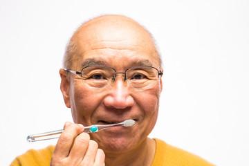 歯磨きのシニア