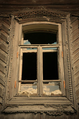 old-time window with splinter flow
