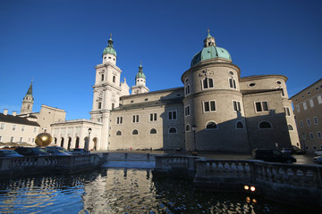 Salzburg - 016 - Dom - Kapitelplatz