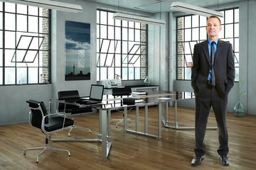 Geschäftsmann im Büro im Loft