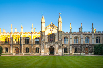 Cambridge, Corpis Christi University college (1352). University