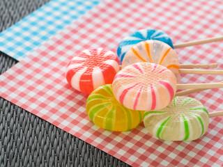 カラフルな日本の飴菓子