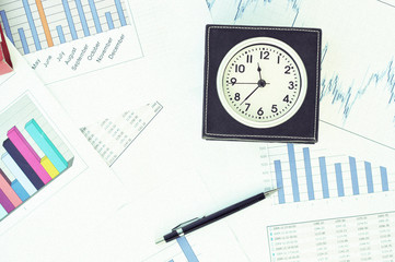 Clock on the market reports