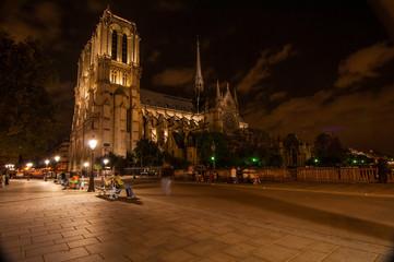 Parigi by night