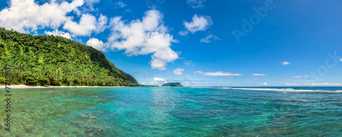 Leinwanddruck Bild Tropical beach in Samoa