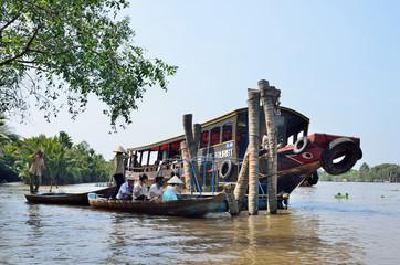 Вьетнам, суда в дельте реки Миконг