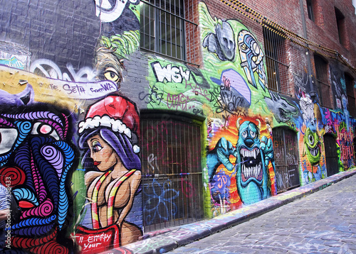 Leinwanddruck Bild Street with graffiti in Melbourne