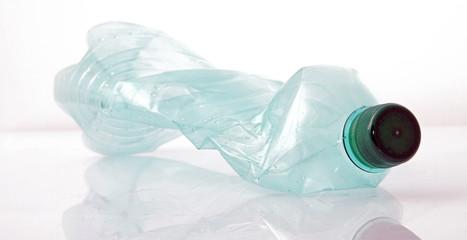 Bouteille plastique à recycler