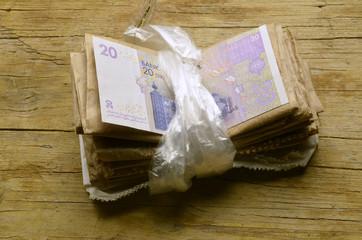 حزمة من المال