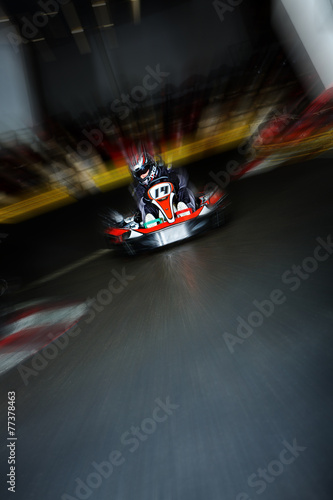 Foto op Plexiglas Motorsport Kartfahrer