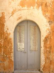 Porta grigia