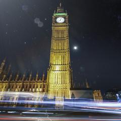 UK, England, London, Low angle view of Big Ben at night