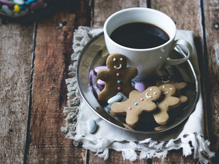 Coffee and gingerbread men