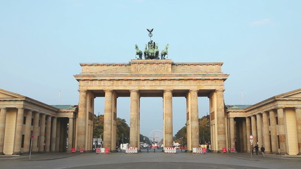 Brandenburg gate (Brandenburger Tor) in Berlin at sunrise
