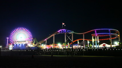 A night view of the attractions of the Santa Monica Pier