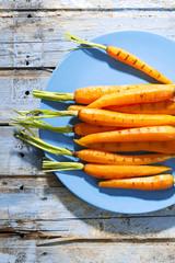 Karotten auf Teller