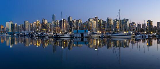 Canada, British Columbia, Vancouver, View of cityscape at sunrise