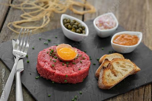 Papiers peints Plat cuisine steak tartare façon italienne 2