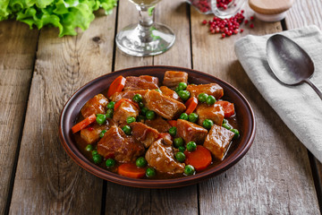 beef stew with peas and carrots