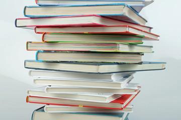 Viele Schulbücher