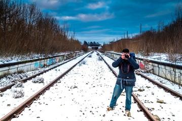 Fotograf am Geisterbahnhof in München