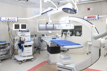 Operating theatre with robotic imaging system