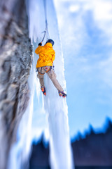 USA, Colorado, Hinsdale County, Lake City, Man ice climbing