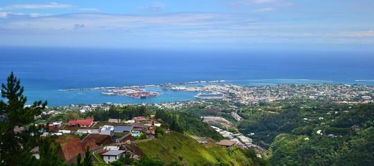 TAHITI  :  RADE DE PAPEETE