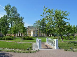 Мостик в Польском саду.Санкт - Петербург.