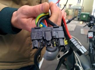 E-Bike: Angeschmorter Kabelstrang