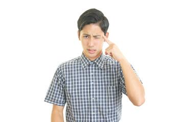 頭痛を訴える男性